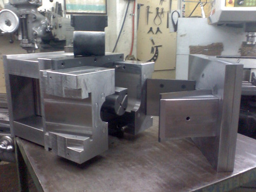 Moldes para plastico moldes y maquilas de plastico ccomsa - Plastico para moldes ...
